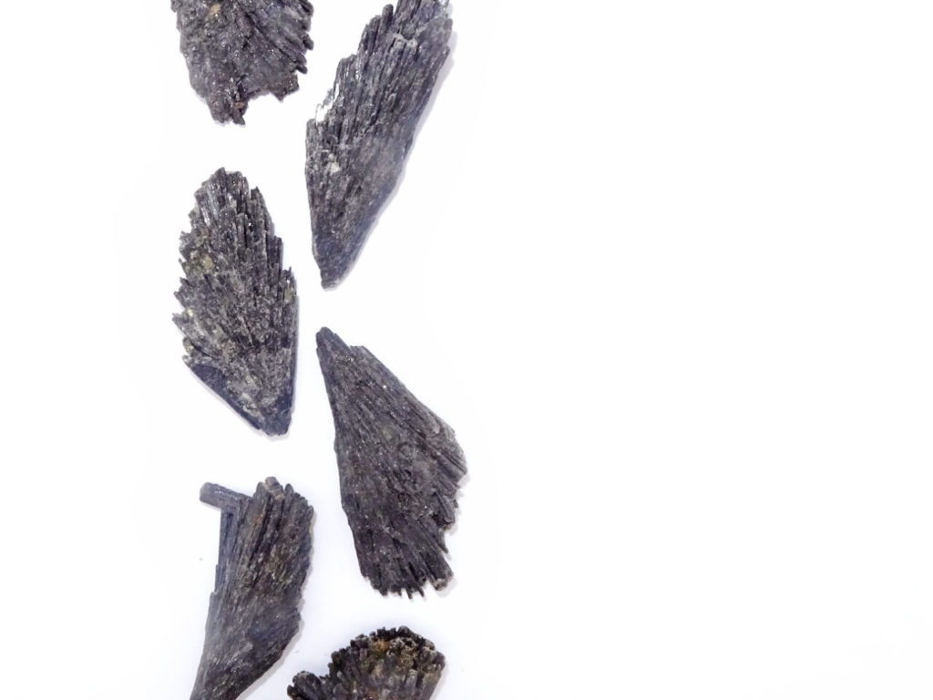 Black kyanite at surrender to happiness