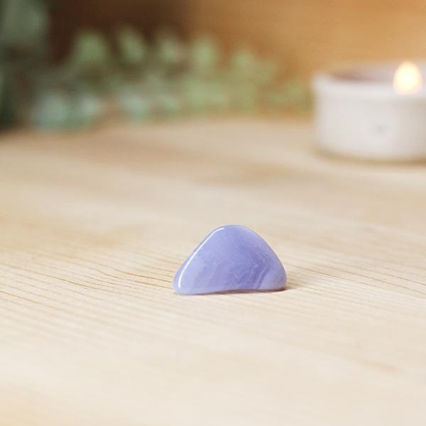 blue-lace-agate-tumblestone