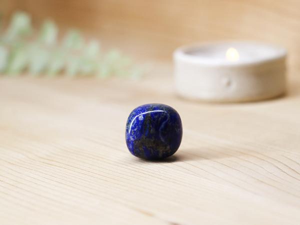 lapis-lazuli-gemstone